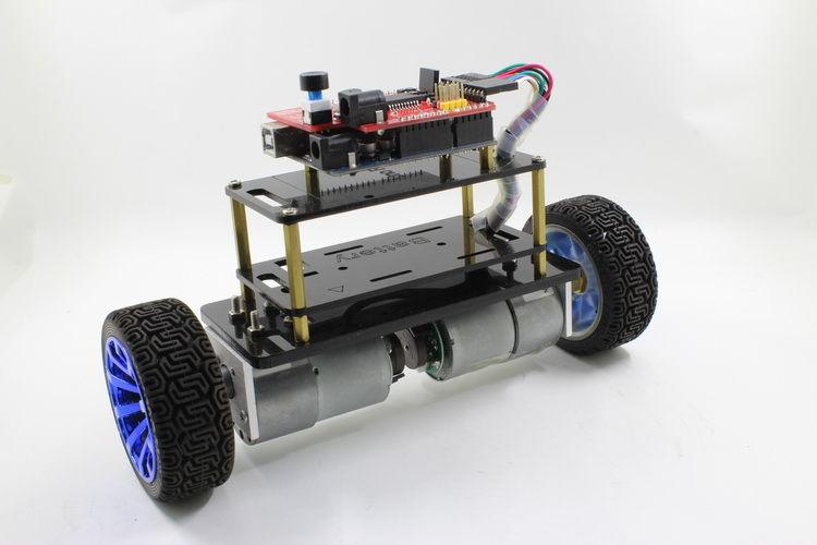 Android kontrollü dengede duran robot yapımı